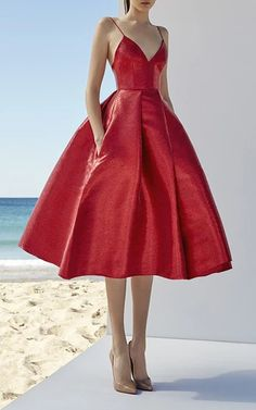 This season it's about shapely silhouettes in a range of lengths, from signature fit-and-flare minis to full-skirted midi dresses that offer Perry's party girl a fresh sophistication. A Line Prom Dresses, Homecoming Dresses, Strapless Dress Formal, Formal Dresses, Midi Dresses, Elegant Dresses, Prom Gowns, Elegant Gown, Red Midi Dress