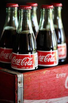 Cool and Refreshing - Coca Cola Vintage Coca Cola, Pepsi, Barbara Carroll, Coca Cola Decor, Coca Cola Bottles, Soda Bottles, Always Coca Cola, World Of Coca Cola, Beer Bottle