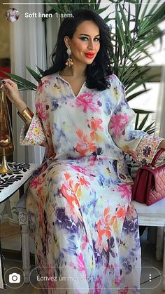 What Beautiful Colours this Jalabiyya has, so cool Abaya Fashion, Muslim Fashion, Fashion Dresses, Kaftan Style, Caftan Dress, African Fashion, Indian Fashion, Estilo Abaya, Kaftan Designs
