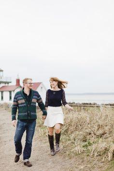 Seattle #engagement session | Photography: Angela & Evan Photography - angelaandevan.com  Read More: http://www.stylemepretty.com/northwest-weddings/2014/04/21/cozy-winter-beach-engagement/