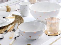 Brillo en la #mesa #menaje #vajilla #dorado #oro #mantelería #vasos #taza