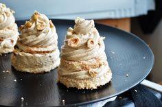 Une recette d'un gâteau praliné noisette qui ravira vos papilles. Composée d'une biscuit et d'une mousseline praliné noisette...
