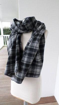14b08b53dcae Etole écharpe foulard femme noir et blanc agréable   ECHARPE   Pinterest    Etsy seller, Creative and Etsy