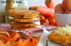 Galettes de Carotte au Comté et Epices Veggie Dishes, Muffin, Dairy, Veggies, Cheese, Hui, Cooking, Breakfast, Kitchen