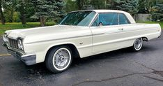 1964 Chevrolet Impala SS Coupe in Ermine White. This is an original SS car with just on the odometer. American Classic Cars, Old Classic Cars, Chevy Classic, 1964 Chevy Impala Ss, Chevrolet Chevelle, 64 Impala Lowrider, Impala For Sale, Vw Cars, Dream Cars