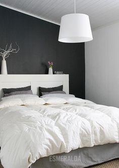 Makuuhuone valossa ja uudesta kuvakulmasta   Esmeralda's