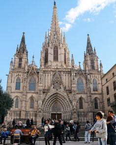 It's all about Barcelona on the blog today ➡️ www.HandLuggageOnly.co.uk #Spain #Travel #Barcelona #Spanish