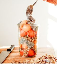 For this parfait, we used cantaloupe and watermelon as the fruit base! We scooped out the fruit with a round spoon and added it to the jar along with some of our favourite Oatbox granola. We added some chia seeds and voila! - I wouldn't do cantaloupe Healthy Breakfast Recipes, Brunch Recipes, Dessert Recipes, Trifle Desserts, Chef Recipes, Healthy Meals, Chia Pudding, Banana Pudding, Muesli