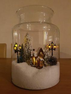 Christmas Globes, Easy Christmas Decorations, Christmas Mason Jars, Christmas Lanterns, Christmas Arrangements, Christmas Centerpieces, Diy Christmas Ornaments, Christmas Projects, Simple Christmas