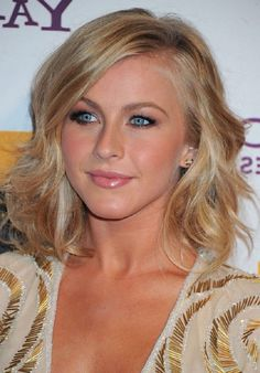 Medium Wavy Hairstyle with Waves