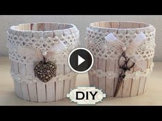 Occorrente: - mollette di legno - barattoli di latta - uno stecchino - colla a tenuta forte - acrilico e pennello - perline e nastri Pulite