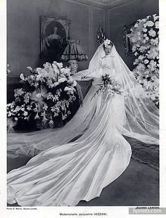 Jeanne Lanvin 1939 Jacqueline Vezzani Wedding Dress Photo C.Martin Jeanne Lanvin 1939 Jacqueline Vezzani Wedding Dress Photo C. Wedding Dress Trends, Wedding Dress Styles, Wedding Attire, Wedding Bride, Wedding Gowns, Wedding Shot, Bridal Gowns, Dream Wedding, Vintage Wedding Photos
