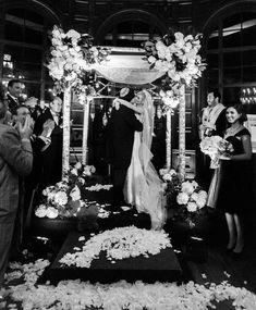 Sooooo romantic! sigh And they lived happily ever after. :) Happy anniversary Stephen & Karen! . . Planner: @delmarevents Venue/Lighting: @ebellofla Photo:@aureliadamorephotography Bridesmaid's Dresses: @zaczacposen Jewelry: @alexandermcqueen Dress & Veil: @panachebeverlyhills Band: @westcoastmusicbevhills Florist: @ebfloraldesign Makeup & Hair: @fiorebeauty Video: @Elysiumweddings Officiant: @adamrgreenwald Published: #modernjewishweddingblog . . #modernjewishwedding #ebelloflosangeles…