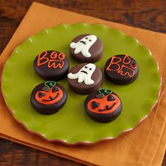 Great Treat - Halloween Chocolate Covered Oreos  farrisandfosters.com