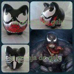 Venom Pig Bank, Personalized Piggy Bank, Color Me Mine, Cute Piggies, Wine Bottle Crafts, Venom, Pho, Pottery, Diy Crafts