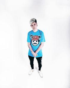 Freestyle Rap, Pose, Youtubers, Hip Hop, Hipster, Graphic Sweatshirt, Street Style, Sweatshirts, Pretty