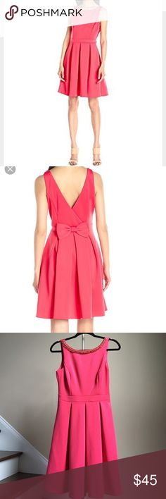 🆕 Jessica Simpson Dress Beautiful scuba dress with bow detail at back by Jessica Simpson. 🚨Price firm unless bundled! 🚨 Jessica Simpson Dresses