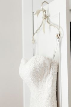 Eleven Tips to Help You Have Beautiful Getting Ready Photos on Your Wedding Day Ethereal Wedding Dress, Perfect Wedding Dress, White Wedding Dresses, Elegant Wedding, Fine Art Wedding Photography, Wedding Photography Inspiration, Wedding Inspiration, Hanging Wedding Dress, Last Minute Wedding
