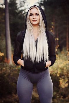 Tight Leggings Camel Toe: 16 thousand results found on Yandex. Fit Women, Sexy Women, Mode Rock, Looks Pinterest, Sport Fitness, Fitness Models, Girls In Leggings, Tight Leggings, Curvy Women Fashion