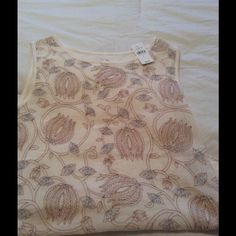Short sleeve top Beautiful top never worn you can dress it up or down LOFT Tops