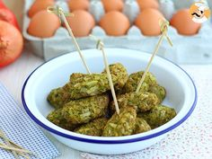 If your kids don& like broccoli, try to fool them with these cute little balls. by PetitChef_Official Vegetable Recipes, Vegetarian Recipes, My Recipes, Favorite Recipes, Les Croquettes, Feta, Spanish Tapas, Broccoli And Cheese, Toddler Meals