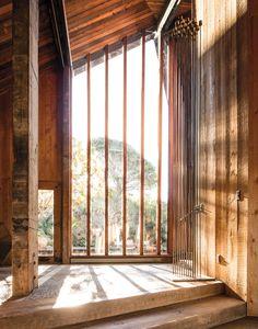 California Coastal Living | Shaw House, architect Will Shaw, Bir Sur, Mark Haddawy http://tmagazine.blogs.nytimes.com/2015/03/27/mark-haddawy-big-sur/