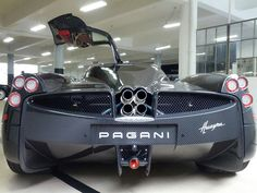 Pagani carbon fiber weave Love Car, Nice Cars, Carbon Fiber, Cars And Motorcycles, Super Cars, Weave, Wicked, Automobile, Wheels