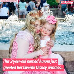 A little girl named Aurora ran to greet Princess Aurora at Walt Disney World in the sweetest moment captured on video. Disneyland Princess, Disney Princess Babies, Princess Aurora, Disney Girls, Little Girl Names, Baby Girl Names, Disney And Dreamworks, Disney Pixar, Disney Memes
