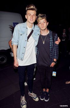 Tristan Evans and Connor Ball Will Simpson, Brad Simpson, Meet The Vamps, Evan And Connor, New Hope Club, Perfect Eyebrows, Attractive Guys, Beautiful Voice, Hot Boys