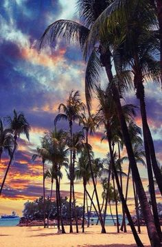 Sunset at Siloso Beach in Sentosa, Singapore