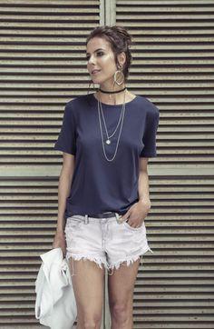 T-shirt básica marinho White Shorts, Boutique, Women, Fashion, Moda, Fashion Styles, Fashion Illustrations, Boutiques