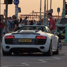 #carspotting #supercars #dreamcars #wow #amazing #like #followme #audi #r8 Audi Supercar, Audi R8, Supercars, Space Car, Amazing Spaces, Car Set, Amazing Cars, Stunts, Sport Cars