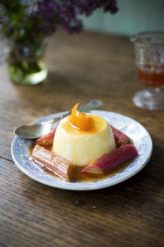 Rhubarb Panna Cotta by Donal Skehan No Bake Desserts, Just Desserts, Delicious Desserts, Dessert Recipes, Yummy Food, The Joy Of Baking, Berry Sauce, Mediterranean Recipes, Gourmet