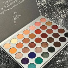 "418 Likes, 1 Comments - Makeup Blogger/Beauty Reporter (@makeupprettythings_) on Instagram: ""OBSESSED. I need this Morphe x Jaclyn Hill Palette  The shades are really well thought out…"""