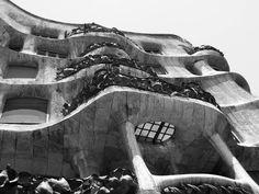 a echte gaudi Gaudi, Black And White, Monochrome, Black White, Blanco Y Negro, Antoni Gaudi, Black N White