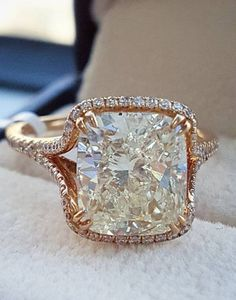 OMG this engagement ring is beyond GORG custom made by @diamondmansion