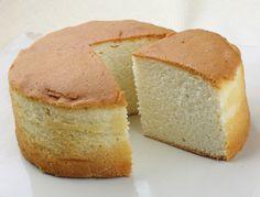 La génoise est une préparation simple qui est souvent la base de nombreux gâteaux. Qu'ils soient colorés, à étages, roulés ou tous simples; découvrez nos...