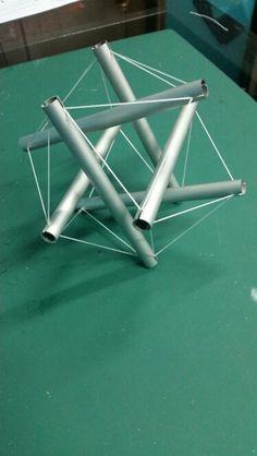 Icosaedro tensegrity