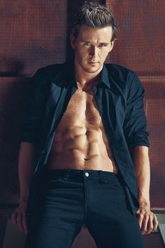 True Blood hunk Ryan!