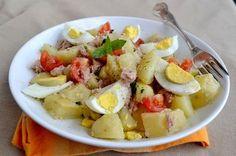 Insalata di tonno patate e uova Veggie Recipes, Wine Recipes, Cooking Recipes, Healthy Recipes, I Love Food, Good Food, Low Carb Brasil, Brunch, Light Recipes