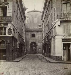 Marville : la rue de Vannes et la Halle au Blé, de la rue du Four - Paris 1er 1868