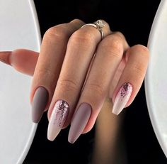This series deals with many common and very painful conditions, which can spoil the appearance of your nails. SPLIT NAILS What is it about ? Nails are composed of several… Continue Reading → Fall Acrylic Nails, Acrylic Nail Designs, Glitter Nails, Glitter Art, Long Nails, My Nails, Matte Nails, Purple Nails, Purple Glitter