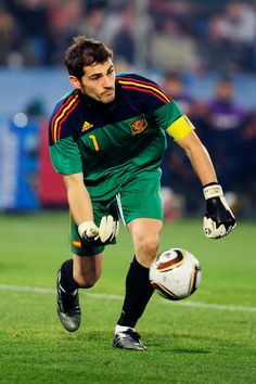 Spain Football, Spain Soccer, College Football, Spanish Soccer Players, Zinedine Zidane, Sports Jersey Design, Soccer Fifa, Chelsea Fc, Tottenham Hotspur