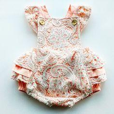 Niña mameluco del bebé  Chica traje de cumpleaños por GentleAdeline