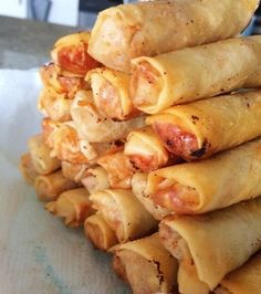 Authentic Chinese street food at its finest. Chinese Street Food, Asian Street Food, Tapas, Appetizer Dishes, Appetizer Recipes, Chinese Appetizers, Chicken Spring Rolls, Mother Recipe, Asian Recipes