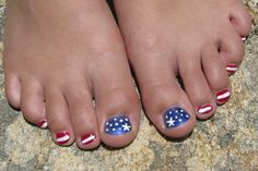 I had so much fun painting my daughter's toe nails!