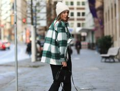 Come scegliere il cappello in base alla forma del viso | Donna Moderna Grunge, Influencer, Love Hat, 2020 Fashion Trends, Benetton, Out Of Style, Elegant, Karl Lagerfeld, New Trends