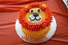 Lion smash cake