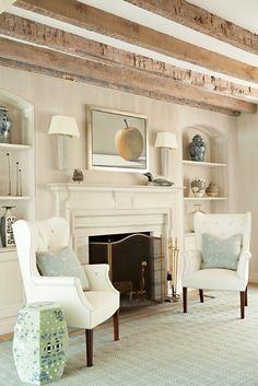 Fireplace, built-ins & beams⭐