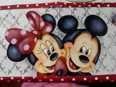 Mickey Mouse, Minions Quotes, Disney Outfits, Baby Disney, Minne, Wallpaper, Disney Characters, Crafts, Kids Coloring